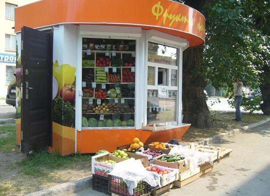 Екатеринбург вновь заполоняют незаконные ларьки