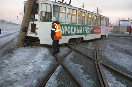 В Нижнем Тагиле трамвай въехал в столб