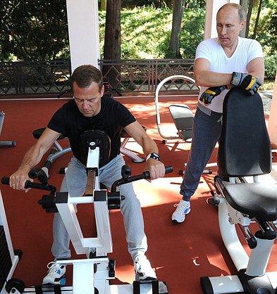 Медведева в кроссовках сравнили с модной девушкой