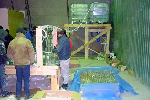 В Екатеринбурге обнаружили подпольный цех с тысячами литров водки