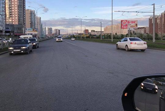 Разметка на дорогах Екатеринбурга продержалась две недели