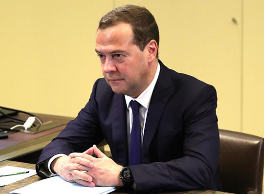 Рейтинг Медведева упал до исторического минимума